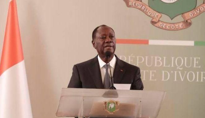 Alassane Ouattara, donnant une allocution lors d'une réunion de la CEDEAO le 7 janvier 2020.