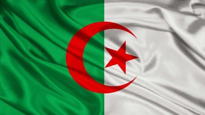 Drapeau de l'Algérie.